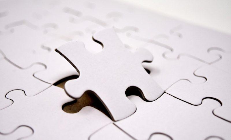 ぴったり合うパズルのピース
